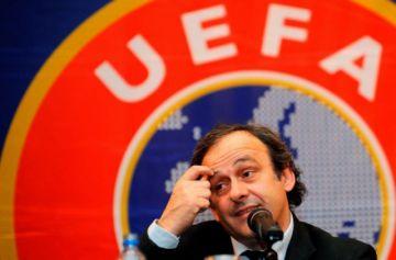 Detienen al exfutbolista francés Platini por presunta corrupción