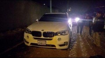 Encuentran sin vida a un piloto en el maletero de un coche BMW