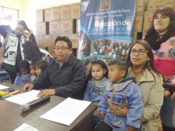 Entregan insumos a  55 centros infantiles