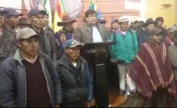 Levantan bloqueo en Ravelo, aunque persiste vigilia en contra del Alcalde