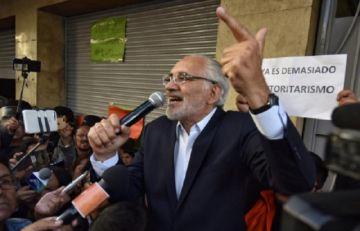 Mesa lanza criticas a Evo y al TSE por ofrecimiento de obras a cambio de votos