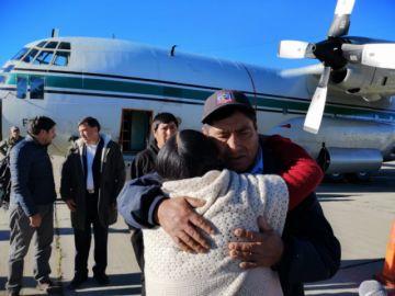 El sobreviviente de la mina en Chile y cuerpo de uno de los fallecidos llegan a Bolivia