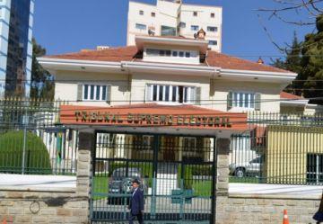 Suman renuncias en el TSE a cuatro meses de las elecciones