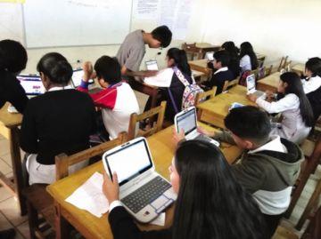 """Colegio cierra semestre con """"Maratón del saber"""""""