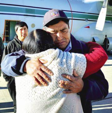 Vuelve de Chile el único sobreviviente de mina