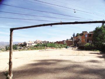 Barrio Villa Socavón clama  atención a sus necesidades