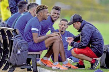 El casi eliminado Ecuador, ante el impredecible Japón