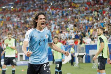 Cavani y Uruguay  vencen a la campeona