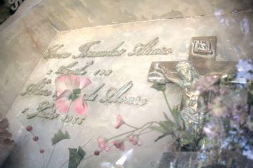 Descartan exhumación de Fernández Alonso