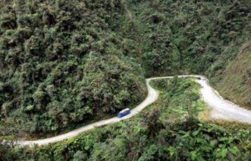 Policía asegura que las rutas a los Yungas están expeditas pese a advertencia de bloqueo