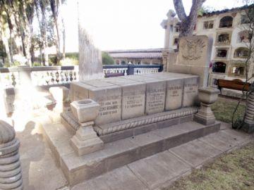 Urge llenar vacío legal para salvaguardar el patrimonio funerario