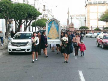 """Procesiones de la Virgen  coinciden con horas """"pico"""""""