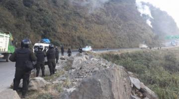 Adepcoca: Policía intervino un punto de bloqueo con ráfagas por la noche