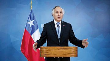 Canciller chileno recibe una ola de críticas en el país
