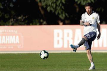 """Scaloni ve """"indudable"""" que a Messi """"le hace falta ganar algo"""" con Argentina"""