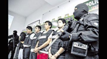 Atrapan a siete  sujetos por robo  a librecambista