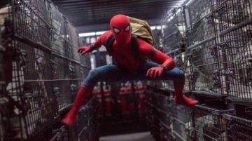 Mañana, con este diario,  un póster de Spider-Man