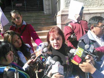 Madre clama juicio justo para su hijo encarcelado