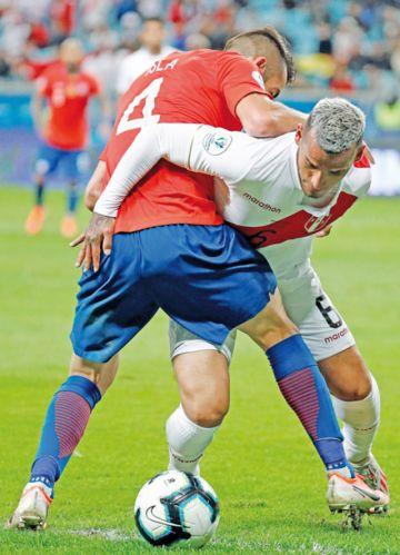 Gareca y Perú dieron clases de estrategia a Chile