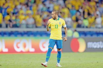 Alves se quejó de un pisotón