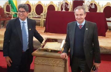Expresidente español alaba herencia cultural de Sucre