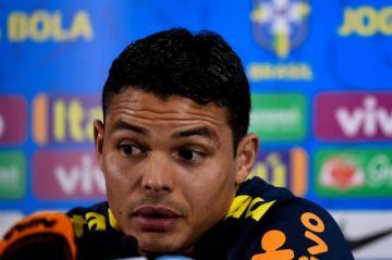 Thiago Silva lamenta críticas de Messi y le pide respeto