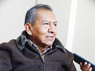 Ministro Milton Gómez: Una cosa es con guitarra
