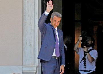 Grecia: Asume el conservador Mitsotakis