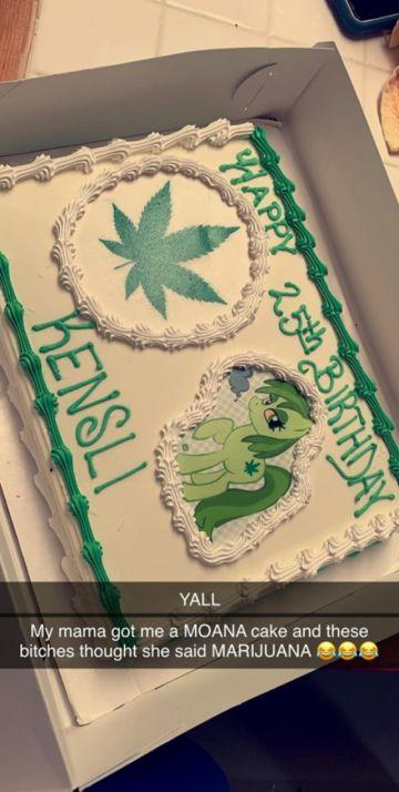 Pidió una torta de Moana y le mandaron una de marihuana