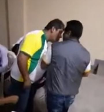 Alcalde de Alto Beni agrede a puñetes a transportista