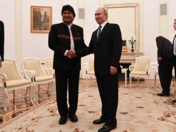Morales propone a Putin que acompañe la industrialización del litio