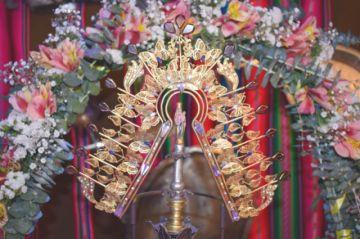 Imagen de la Virgen más pequeña luce restaurada