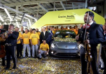 Volkswagen se despide  de emblemático Beetle