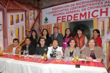 Microempresarios reeligen a Martha Gómez