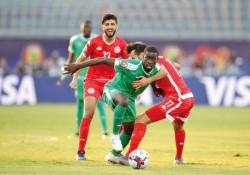 Argelia y Senegal avanzan a la final de la Copa África