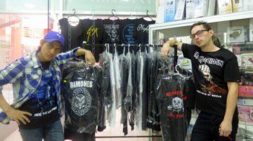 """Sección """"Poleras Fabio Poison"""", con una variedad de diseños rockeros"""