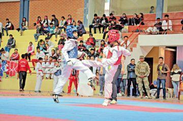 Destacan en taekwondo