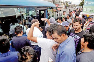 Denuncian maltrato en un centro migratorio