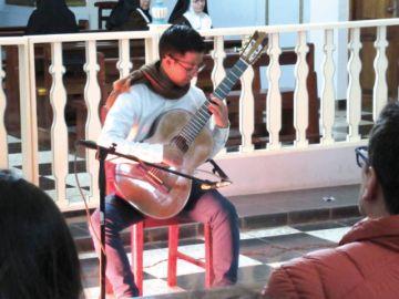 Guitarras le regalan música al patrimonio