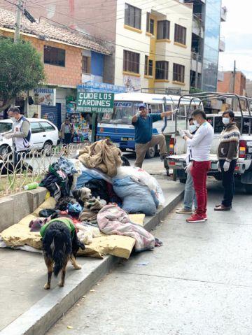 Retiran a indigentes  de la plaza San Juanillo