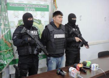 Aprehenden a policías y un funcionario por liberar a acusados de asesinato