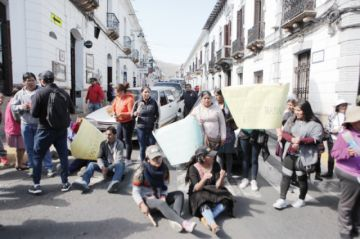 Vendedores de ropa usada  ponen pausa a protestas