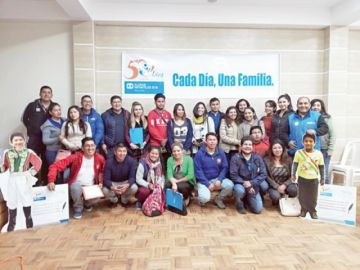 Periodistas en Sucre se comprometen con los más pequeños