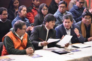 Morales anuncia inicio de exploración del pozo Mayaya en La Paz