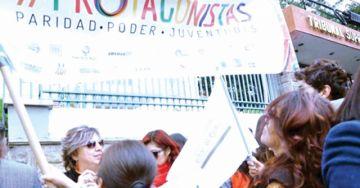 Mujeres celebran paridad en listas de candidatos