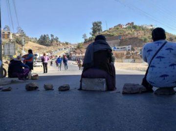 Vecinos retoman protesta por el servicio de micros