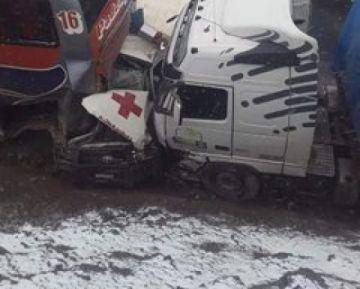 Triple colisión deja seis heridos en ruta Oruro-Cochabamba