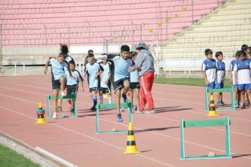 Mini atletismo y ajedrez definen a sus campeones