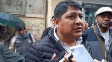 Policía aprehende a Sergio Pampa, dirigente de Adepcoca