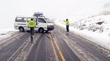 Sigue la alerta climática  y cierran más carreteras